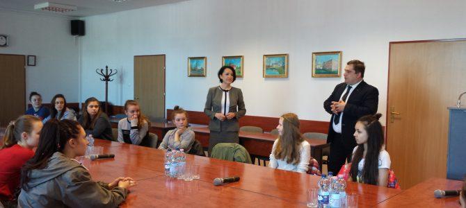 Lekcja WOS-u w siedzibie starostwa powiatowego
